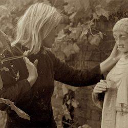 Marianne & Leonard: Words Of Love (12A)